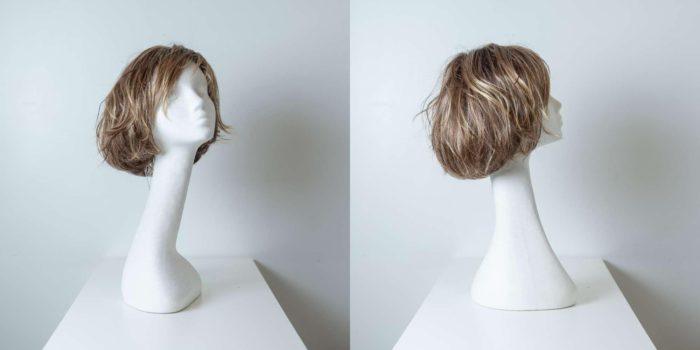 Parrucca capelli sintetici corti biondo-castano mossi donna_Leoni-Zazzera