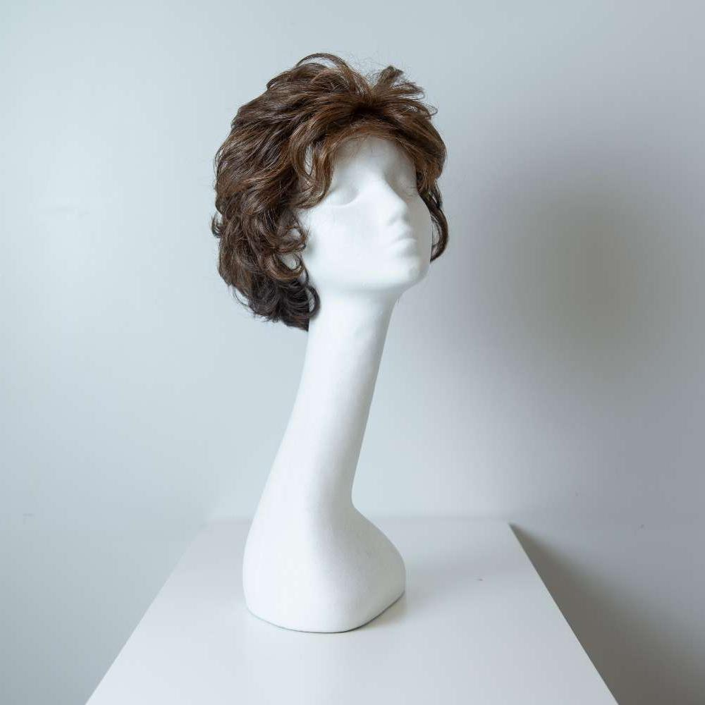Parrucca capelli sintetici corti castani mossi_fronte_Leoni-Zazzera