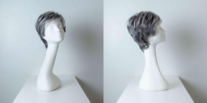 Parrucca capelli sintetici corti lisci colorati nero grigio donna_Leoni-Zazzera