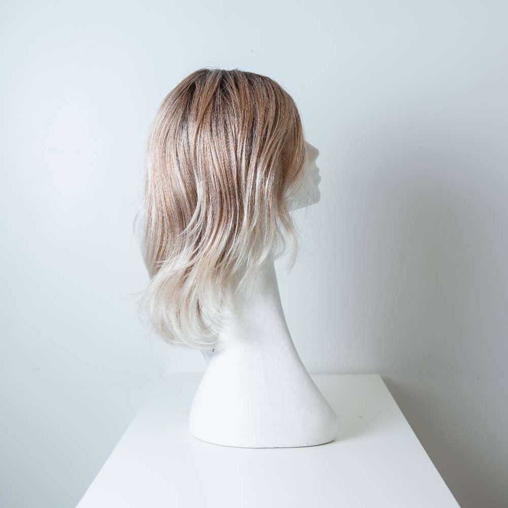 Parrucca capelli sintetici lunghi colorati castano-bianco donna_retro_Leoni-Zazzera